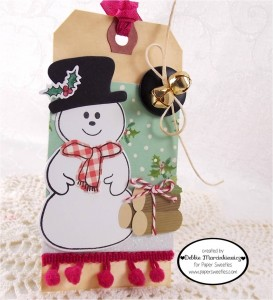 papersweeties debbie 11 26 147 273x300 25 Days of Christmas Tags!